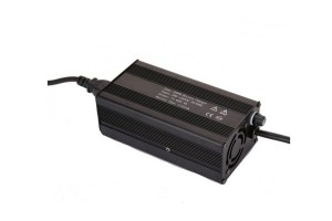 14.6V 4s 25a 600w LifePO4 Charger SG-C600B